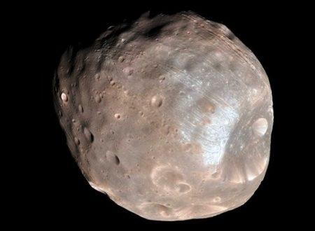 Phobos, luna di Marte, sta per essere distrutta