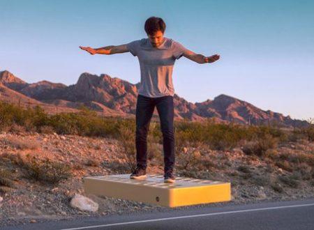 Il futuro è qui: ArcaBoard la prima hoverboard che si libra in aria