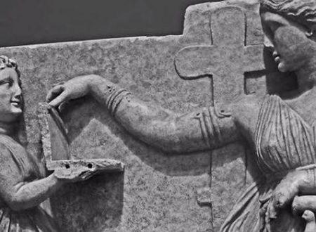 Una antica scultura greca mostrerebbe un laptop