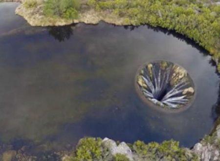 Covão do Conchos, il lago col buco
