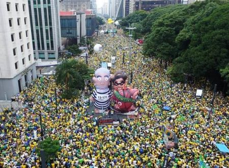 Italia svegliati! Imponente manifestazione popolare di protesta in Brasile