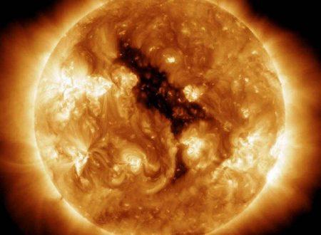 Individuato un grosso buco nero sul Sole