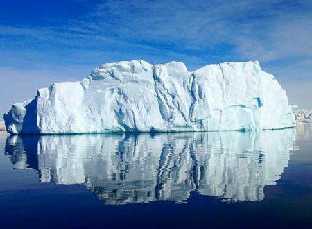 Iceberg gigante si sta staccando in Antartide