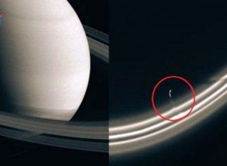 Enormi astronavi aliene tra gli anelli di Saturno