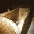 Vasca di granito rosa piramide di Cheope