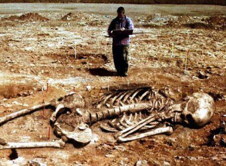 Il grande occultamento degli scheletri giganti