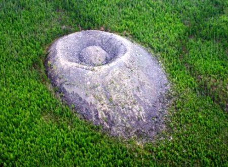 Cratere Patomskiy: cosa ha causato questa strana formazione?